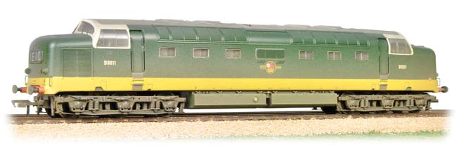 Bachmann - 32-529B - Class 55 Deltic D9011 two tone Green Weathered